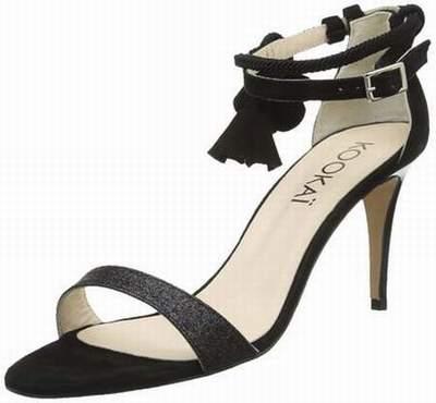 La halle aux chaussures salon de pce for Salon de la chaussure